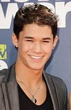 MTV Movie Awards 2011 - Página 4 Th_MMAtapete208