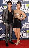 MTV Movie Awards 2011 - Página 4 Th_MMAtapete214