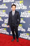 MTV Movie Awards 2011 - Página 4 Th_MMAtapete222