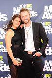 MTV Movie Awards 2011 - Página 4 Th_MMAtapete228