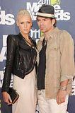 MTV Movie Awards 2011 - Página 4 Th_MMAtapete229