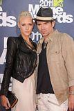 MTV Movie Awards 2011 - Página 4 Th_MMAtapete232