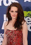 MTV Movie Awards 2011 - Página 4 Th_MMAtapete265