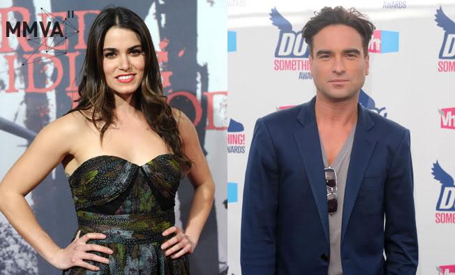 MTV Movie Awards 2011 - Página 2 Johnny-Galecki-and-Nikki-Reed