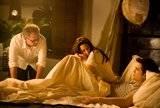 Articulos Sobre Amanecer - Página 12 Th_Robert-Pattinson-Kristen-Stewart-Twilight-Saga-Breaking-Dawn-Part-1-image-3