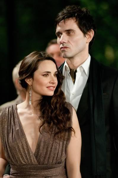 Articulos Sobre Amanecer - Página 12 The-twilight-saga-breaking-dawn-part-1-movie-image-02-398x600