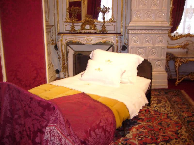 Casa Imperial de Austria - Página 2 Empressbed