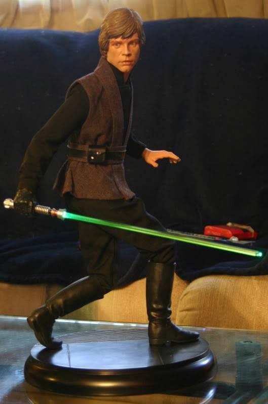 Luke Jedi 1/4 Premium Format - Page 4 Luke021a-1