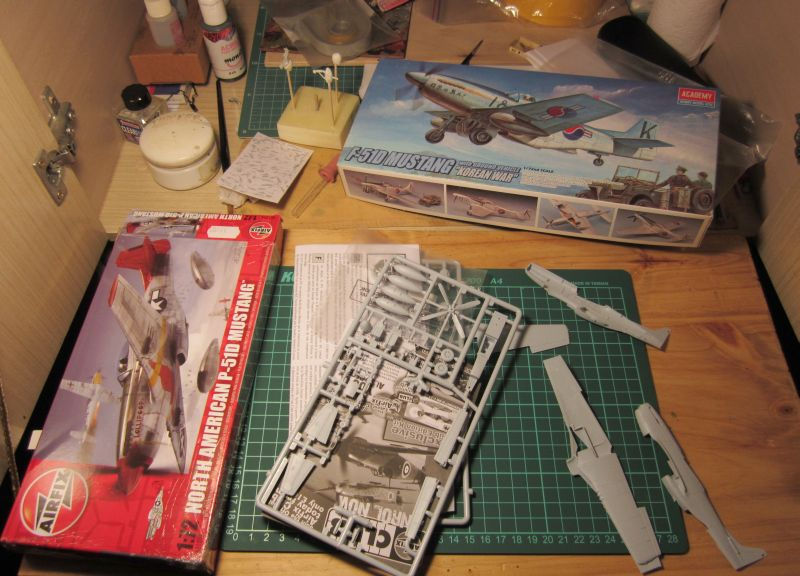 Armado y comparativa P-51 D Airfix new mold, P-51 D Academy with Jeep IMG_5679_zpscddllz15