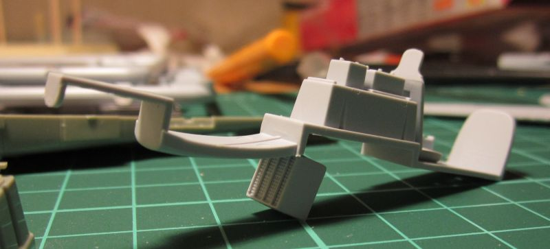 Armado y comparativa P-51 D Airfix new mold, P-51 D Academy with Jeep IMG_5693_zps86zjywm6