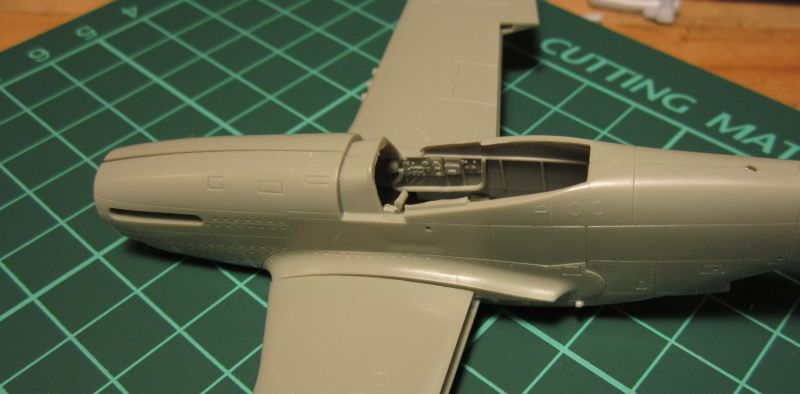 Armado y comparativa P-51 D Airfix new mold, P-51 D Academy with Jeep IMG_5707_zpstmcpucys