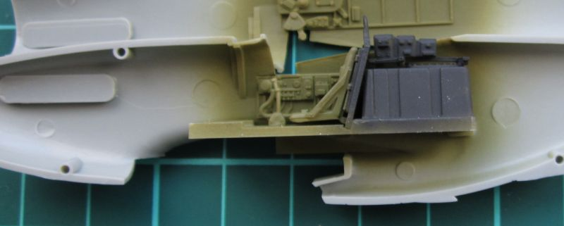 Armado y comparativa P-51 D Airfix new mold, P-51 D Academy with Jeep IMG_5715_zpsucxhkyzg
