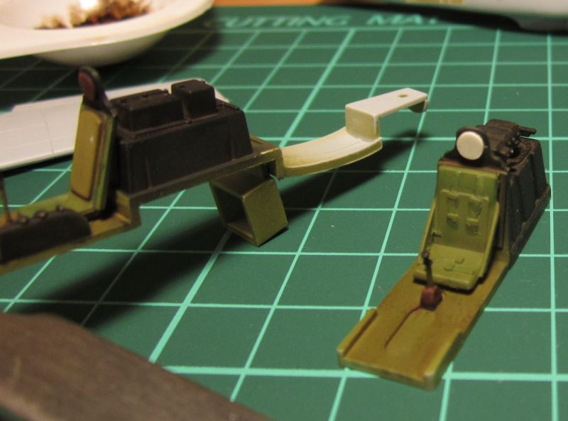 Armado y comparativa P-51 D Airfix new mold, P-51 D Academy with Jeep IMG_5723_zpsiyodgriv