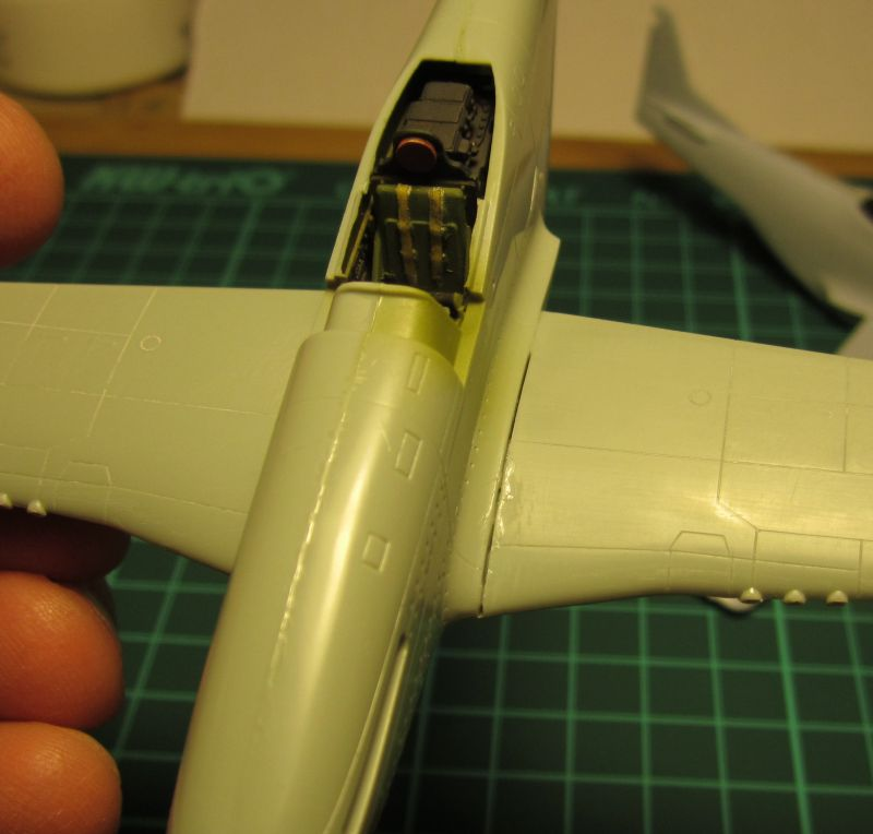 Armado y comparativa P-51 D Airfix new mold, P-51 D Academy with Jeep IMG_5735_zpse07k0ovo