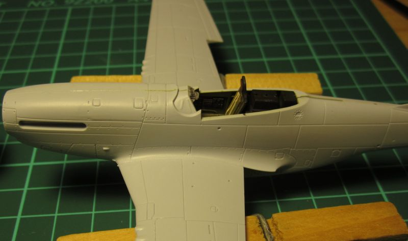 Armado y comparativa P-51 D Airfix new mold, P-51 D Academy with Jeep IMG_5742_zpsrfxv2zmu