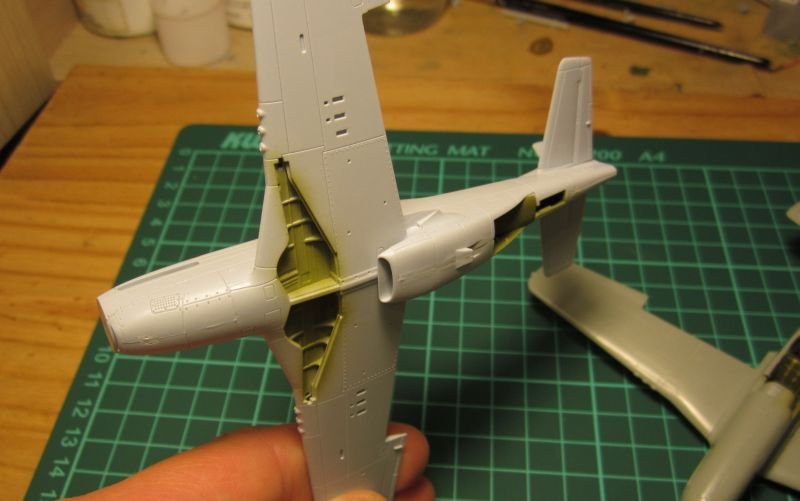 Armado y comparativa P-51 D Airfix new mold, P-51 D Academy with Jeep IMG_5763_zpsyhiwu3dm