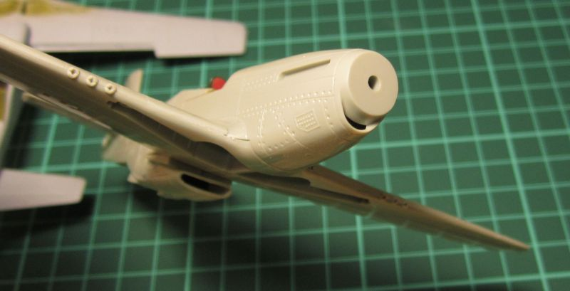 Armado y comparativa P-51 D Airfix new mold, P-51 D Academy with Jeep IMG_5765_zpsrbgragbv