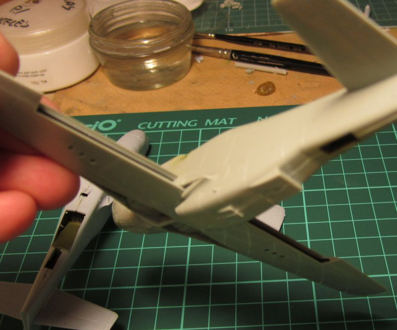 Armado y comparativa P-51 D Airfix new mold, P-51 D Academy with Jeep IMG_5770_zpscvxku90n