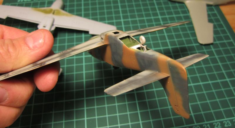 Armado y comparativa P-51 D Airfix new mold, P-51 D Academy with Jeep IMG_5771_zpsi2bjr4x8