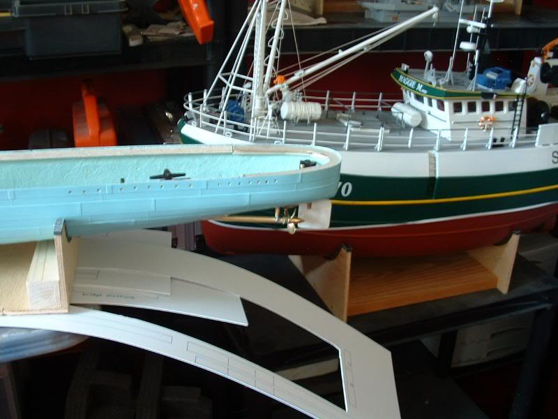 Deans HMS Javelin build DSCF0309