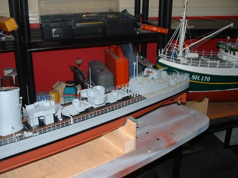 Deans HMS Javelin build DSCF0349