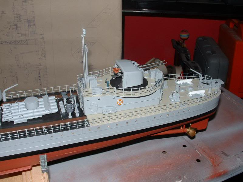 Deans HMS Javelin build DSCF0359