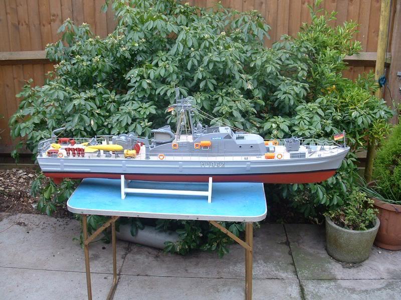 Robbe Schuetze build DSCF00821