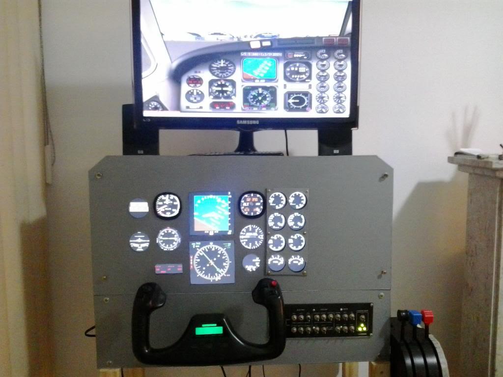 """Mais um cockpit """"faça você mesmo"""" saindo do forno. 2013-06-02182336_zpsfe789dad"""