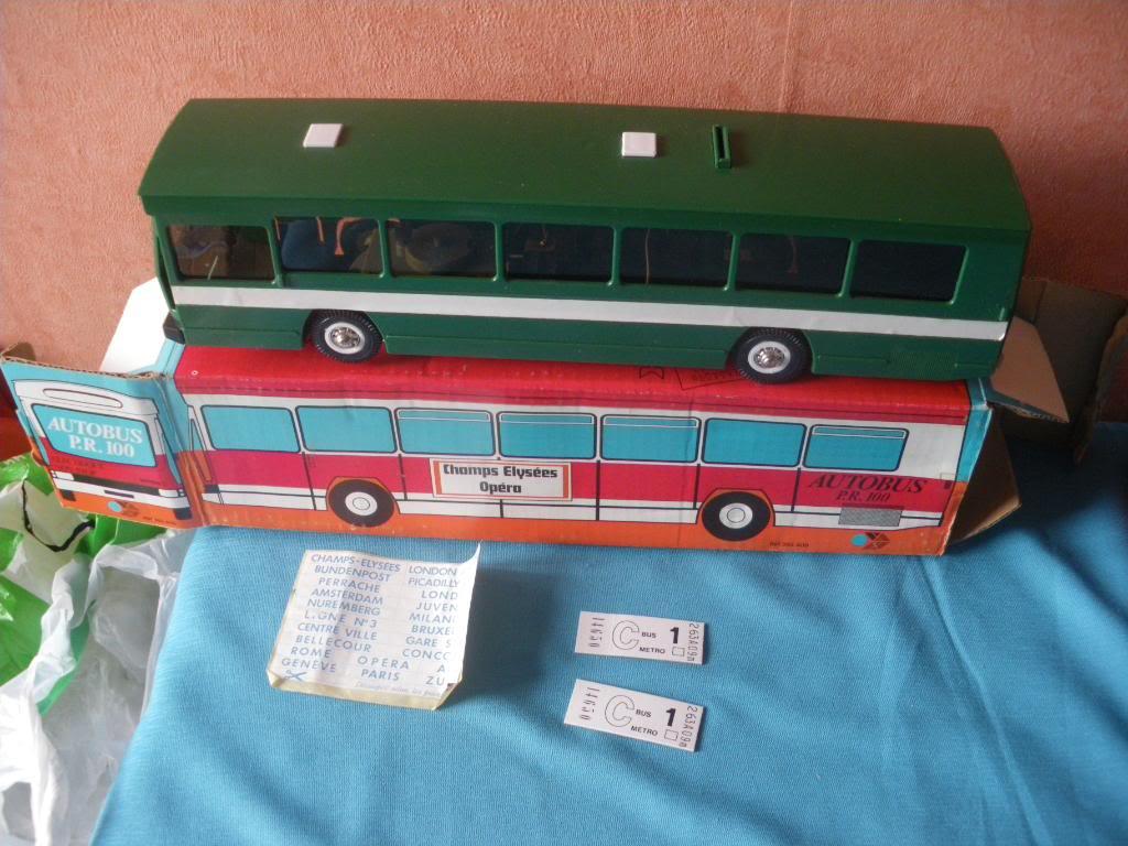 Bus Berliet PR 100 IMGP6423_jouets_mont_blanc_france_autobus_berliet_pr_100_electrique