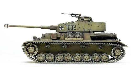The Panzer 4 PanzerIVausfJ1_zps08df2499