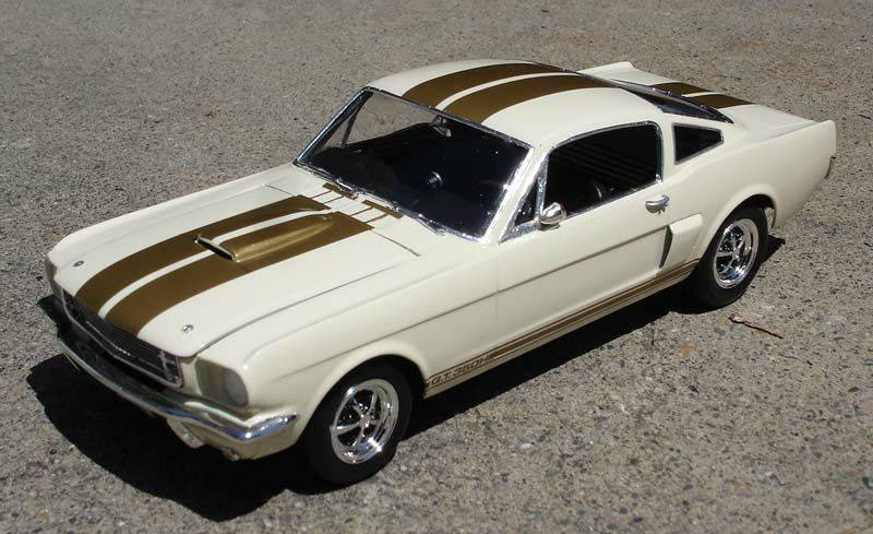 Shelby Mustang GT 350 H 1:24 IMG-20140818-WA0001_zps707a3a88
