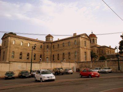 Hospitales y Sanatorios con leyendas y apariciones abandonados en España Alcoy2_zps0e33a57b