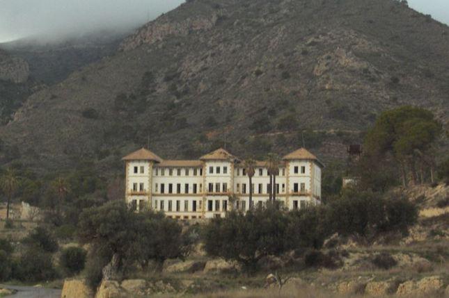 Hospitales y Sanatorios con leyendas y apariciones abandonados en España Busot_zps9914a5c1