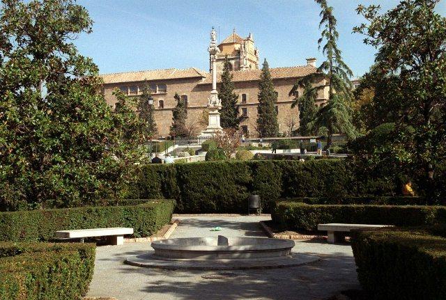 Hospitales y Sanatorios con leyendas y apariciones abandonados en España Hospitalgranada1_zps6c67106b