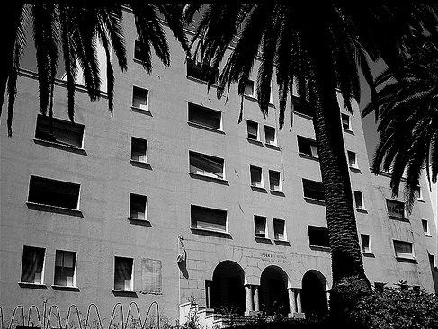 Hospitales y Sanatorios con leyendas y apariciones abandonados en España Hospitallois2_zpsa38b2a76