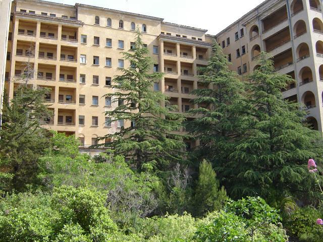 Hospitales y Sanatorios con leyendas y apariciones abandonados en España Torax_zpsce2f1e4b