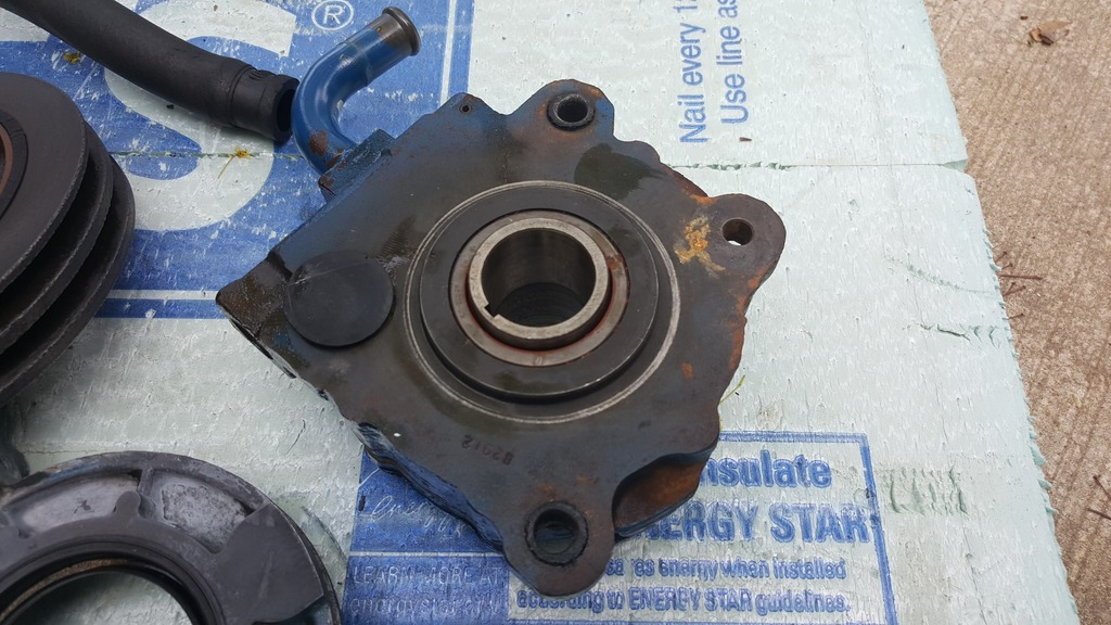 1968 1969 Lincoln 460 crank driven power steering pump and extras   $500 OBO 20160516_172349_zpsuysyxdaw