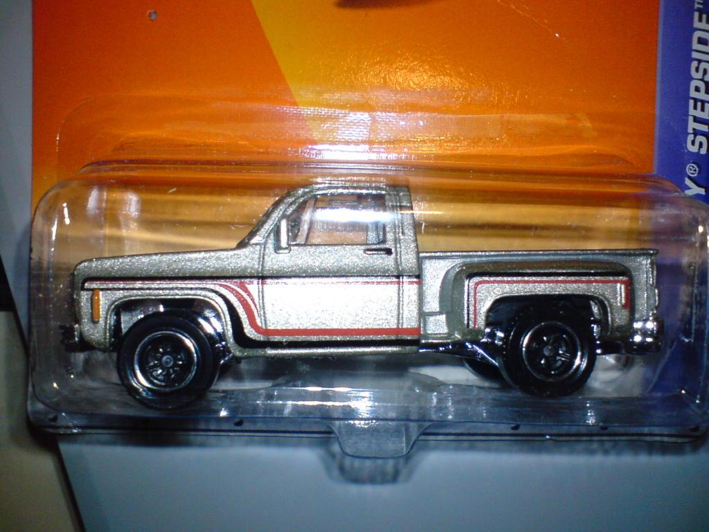 ´75 Chevy Stepside (al fin cayo..) :-) DSC00073-1