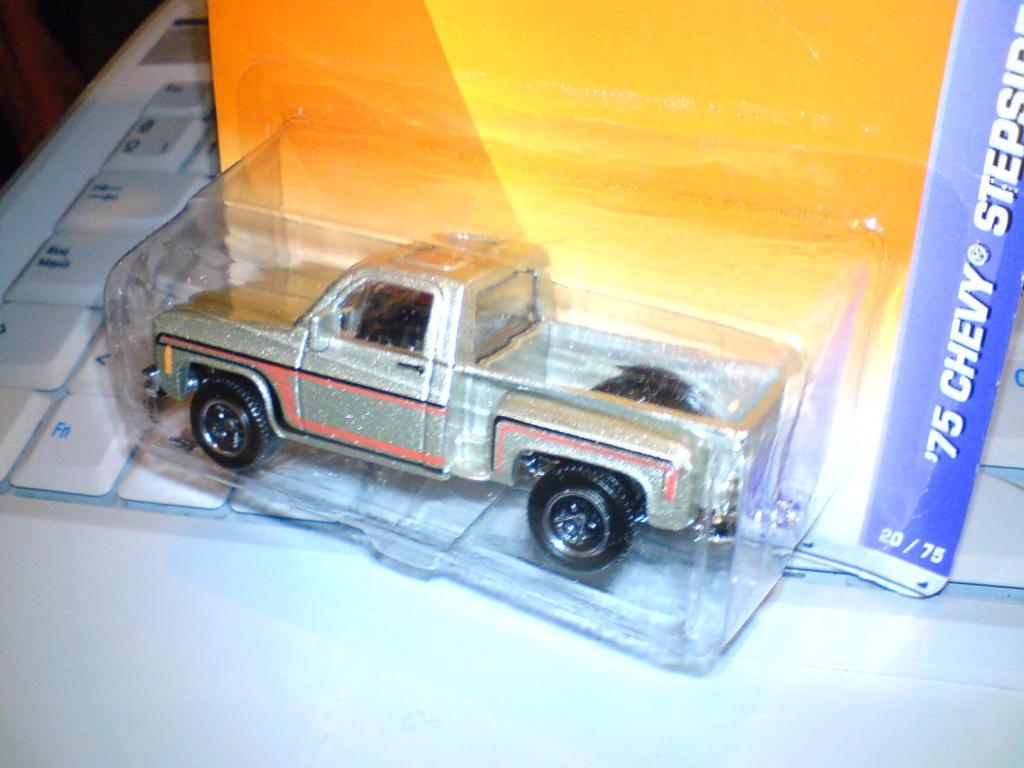 ´75 Chevy Stepside (al fin cayo..) :-) DSC00080-1