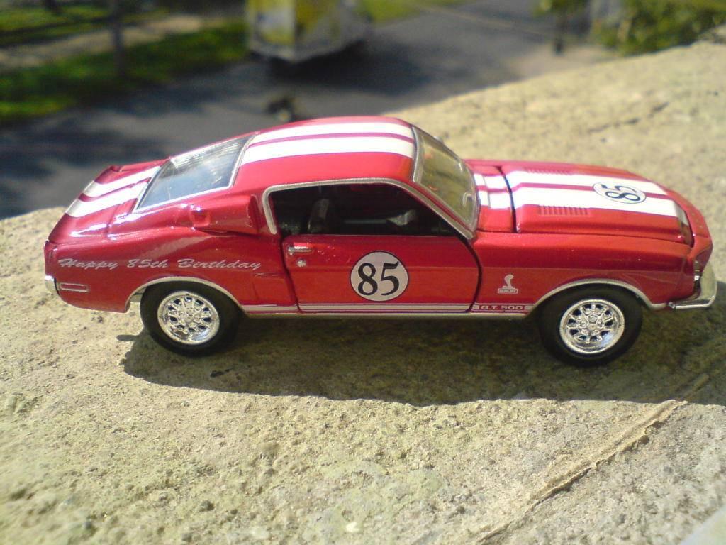 Un pequeño homenaje a Carrol Shelby DSC00258