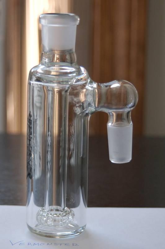 Manifest Glass Works 90* AshCatcher DSC_0025-2