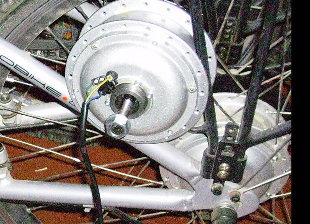 "Convertir un motor de buje en un motor ""normal"" Motor31_zpsa9e95384"