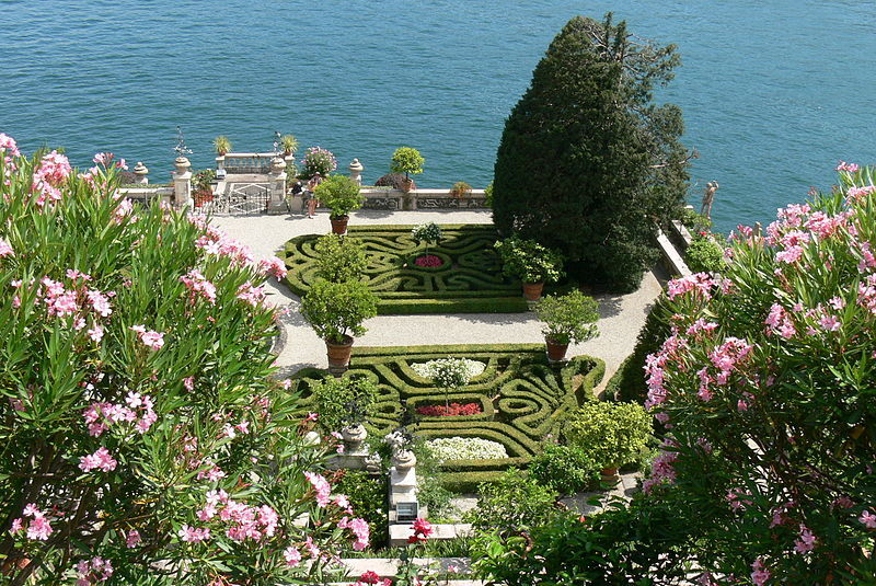 Pics of places that look like places from the films, or are just nice. [3] - Page 6 800px-Isola_Bella_-_Barockgarten_1_zpswykskb6i