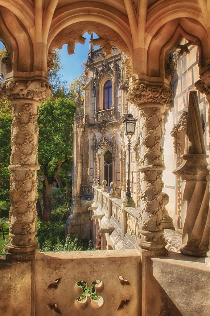 Holidays and absences [2] - Page 37 Palace-of-Mystery-Quinta-da-Regaleira-by-Taylor-Moore-Regaleira-Balc_zpsmg9zxmfh