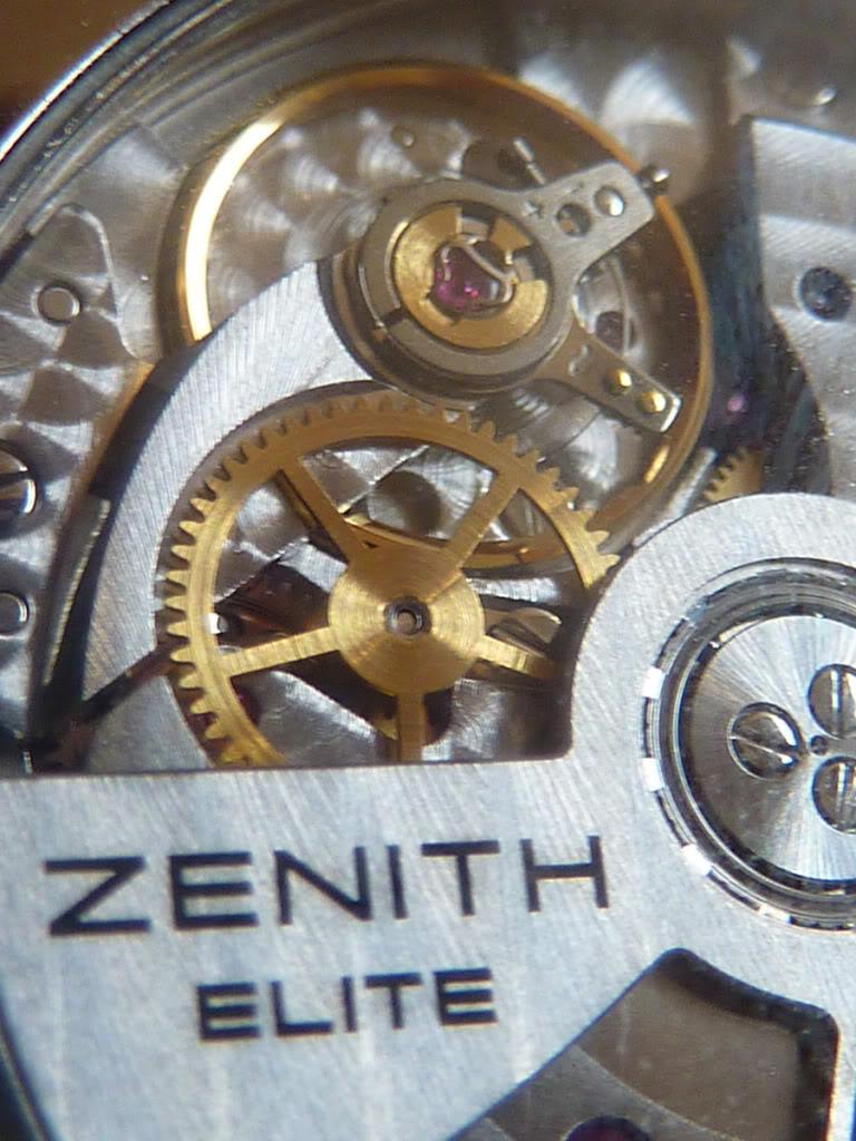 Zenith Captain réserve, revue à suivre. P1030599