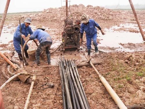 khoan địa chất khảo sát công trình trong thi công Khao%20sat%20chia%20chat_zpsucpk9hwm