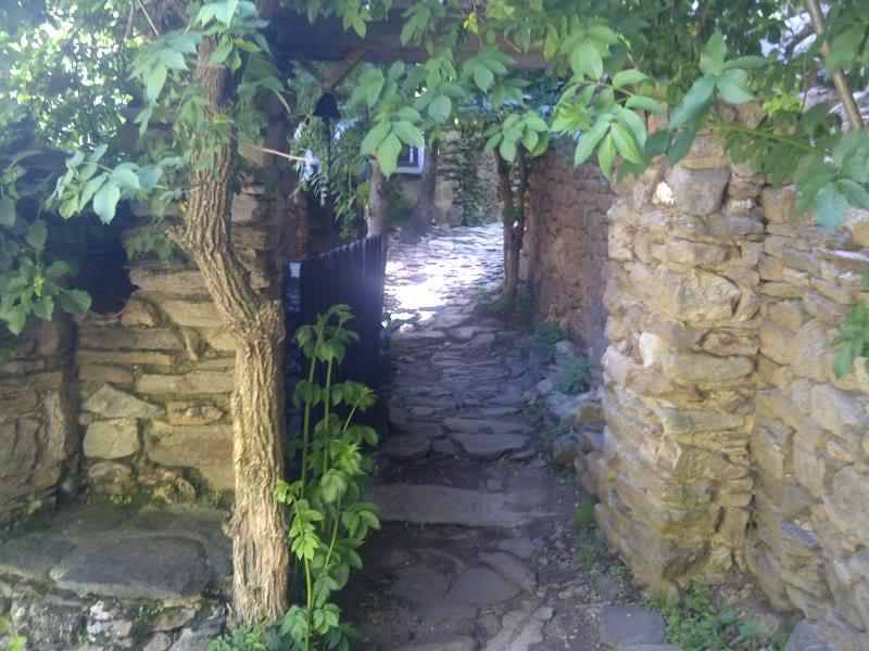 Petit hameau de Bardou dans le 34 IMG-20130602-00321