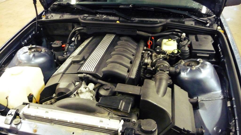 Schimpy - Bmw 320 turbo touring - Sida 3 P1030327_zps758f4e86