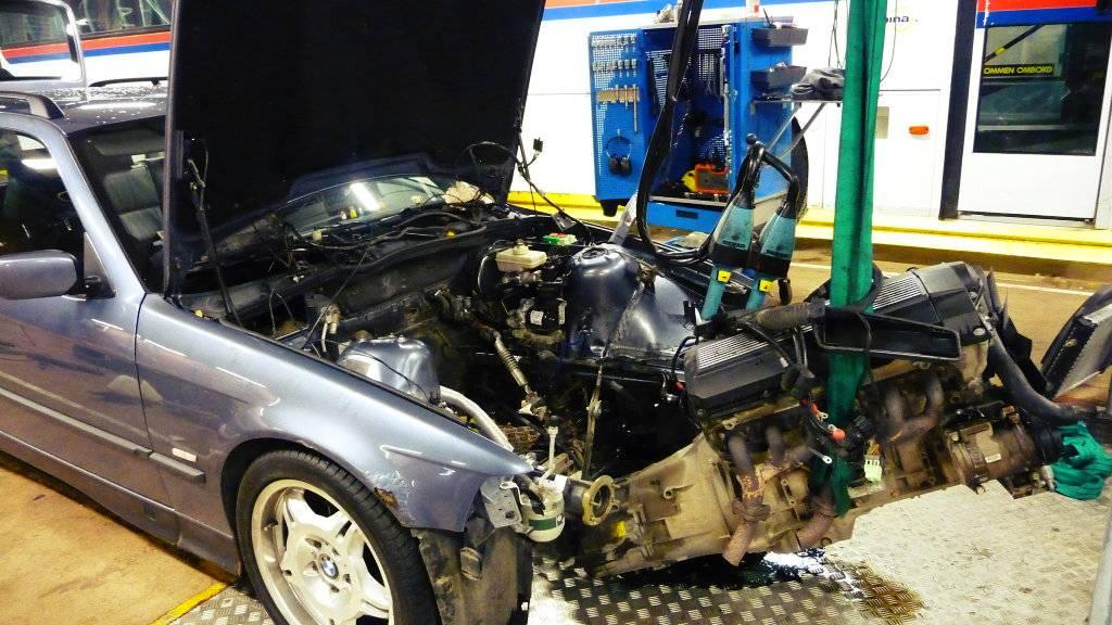 Schimpy - Bmw 320 turbo touring - Sida 3 P1030340_zpsd6078053