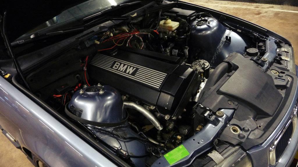Schimpy - Bmw 320 turbo touring - Sida 3 P1030356_zps77e7ef40